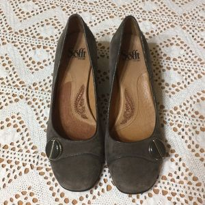Sofft size 7.5 taupe Suede shoes